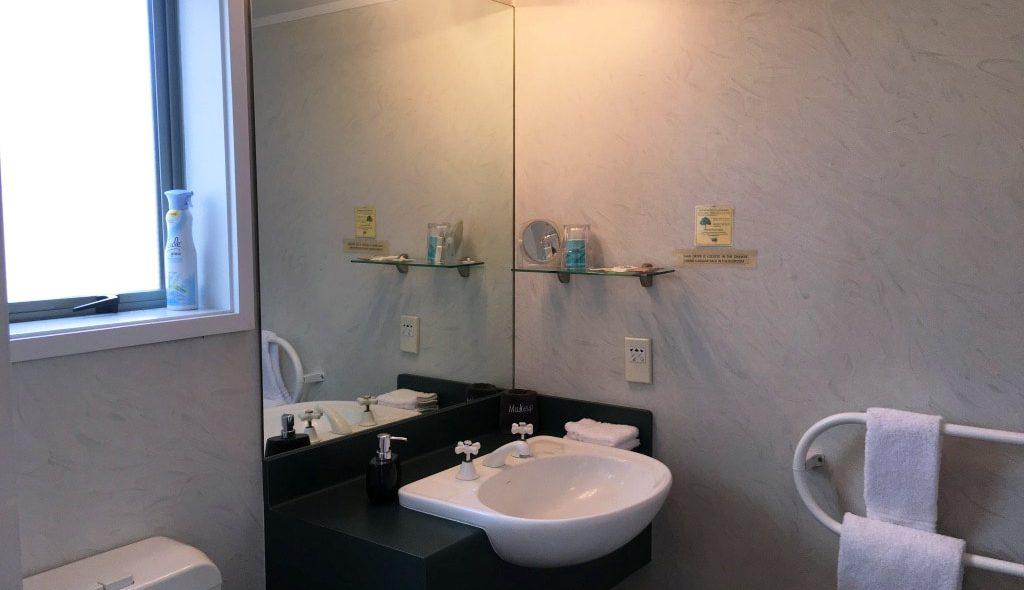 Studio-the-Bathroom_HI
